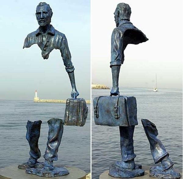 """Креативная скульптура""""Человек-невидимка"""""""