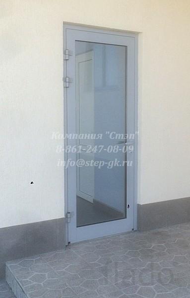 Дверь из тёплого алюминиевого профиля «Алютех»