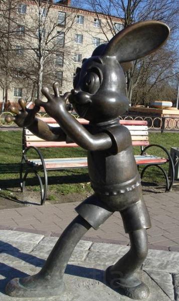 скульптуры из металла героев мультфильмов
