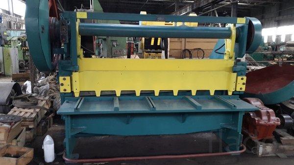 Продам со склада в Челябинске ножницы гильотинные  Н3118