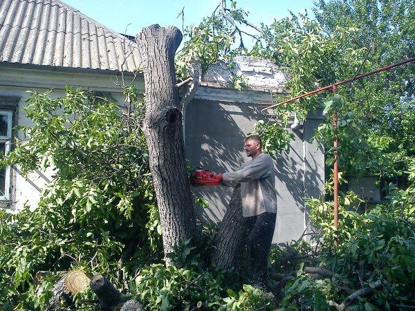 Уборка участков, земляные работы, демонтаж строении, вывоз мусора