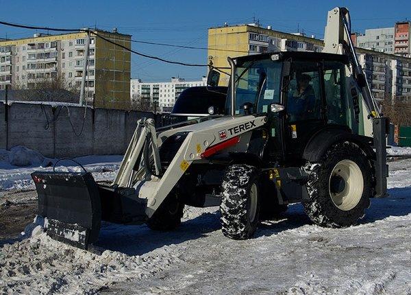 Отвал передний для уборки снега к экскаватору-погрузчику