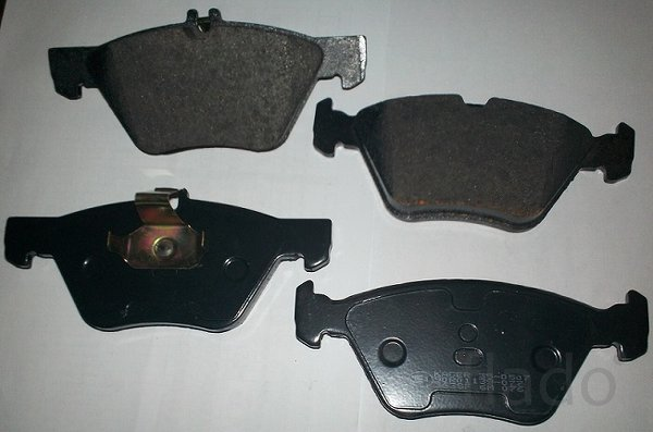 Тормозные колодки передние Mercedes CLK, E-Class (W/ S 210)