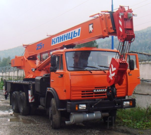 Услуги автокрана Клинцы 25 тонн в г. Приморске, аренда, заказать