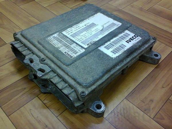 Блок управления двигателем 41200616ED76-8726, 0281001527 Ивеко