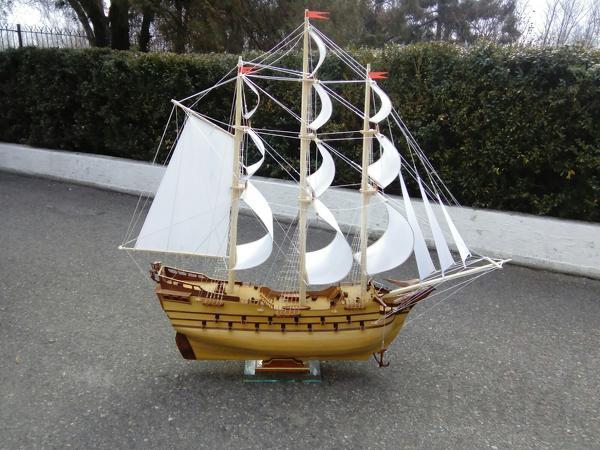 Модели старинных кораблей ручной работы