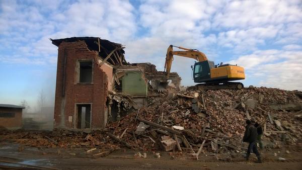 Демонтаж сооружений и конструкций. Снос зданий, домов.