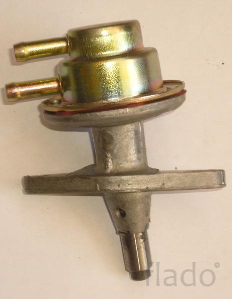 Насос топливный двигателя Deutz 1011, 2011