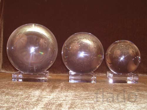 Хрустальные шары разного диаметра