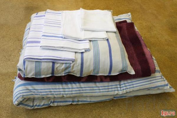 Полотенца, постельное для дома