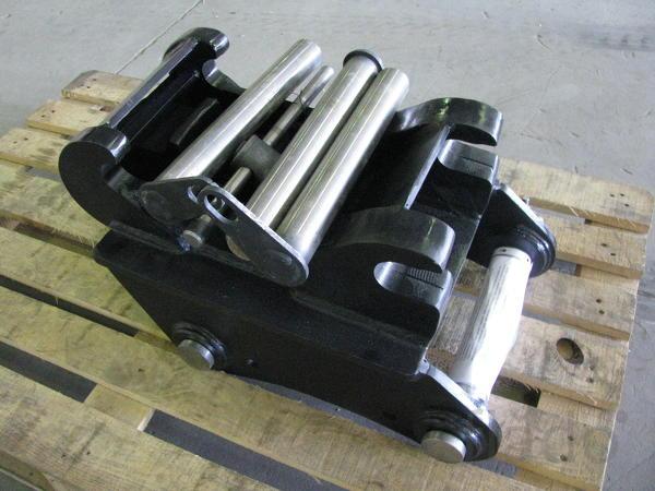 Быстросъем квиккаплер на экскаватор-погрузчик XCMG WZ 30-25