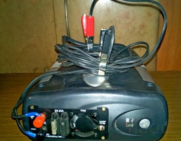 Инвертор 12В -220В из UPS 600VA.