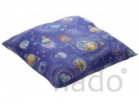 Подушки и одеяла, а также белье и матрацы