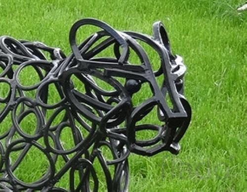 Садовая фигура `Пантера` декоративное украшение
