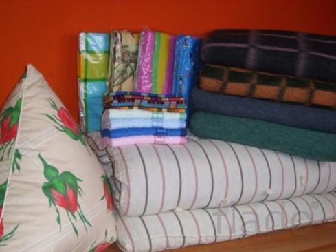 Подушки перьевые и ватные, одеяла холофайбер