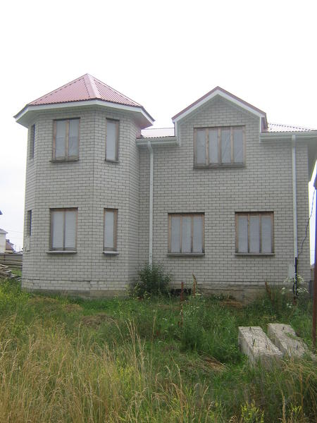 Дом 180 м² на участке 5 сот.