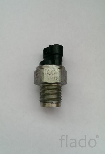 Датчик давления топлива Toyota 89458-71010, Denso 6121, 12H13