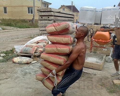 Предлогаем услуги грузчиков Подъём строительных материалов в Омске+7(9