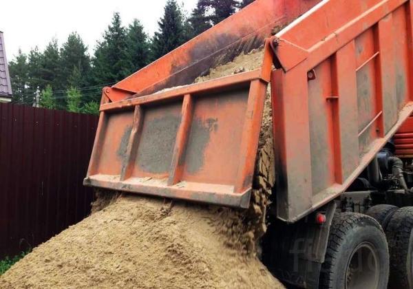 Продажа песка речного и карьерного в Курске