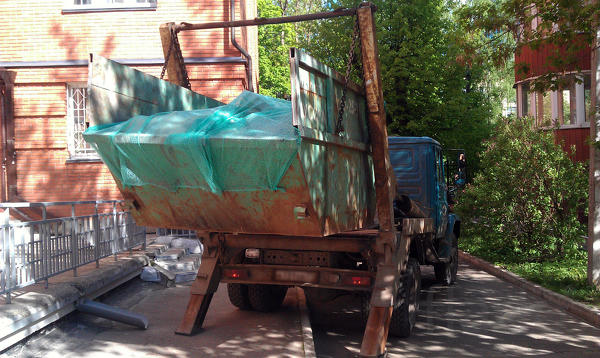 Вывоз строительного мусора, мебели, хлама контейнером 8 м³