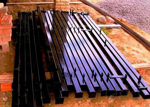 Столбы металлические для забора. Доставка по всей области