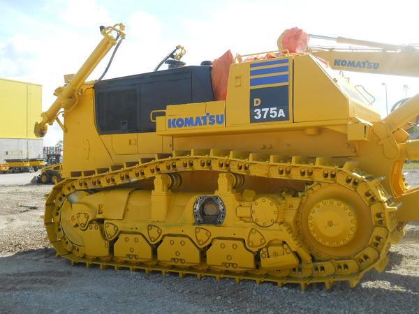 Восстановленый KOMATSU D375A 2000 года