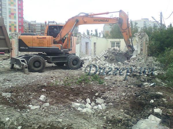 Вывоз мусора,демонтаж,доставка сып.материалов.
