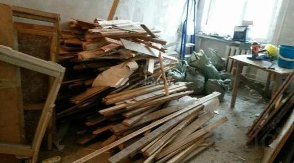 Вывоз мусора досок старой мебели в Омске 55