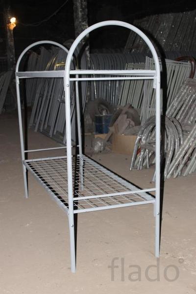 кровати металлические армейского типа..