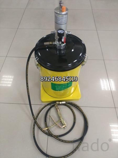 Нагнетатель для смазки пневматический YQ-10