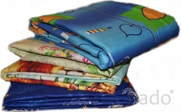 Матрац, подушка и одеяло и постельное белье..