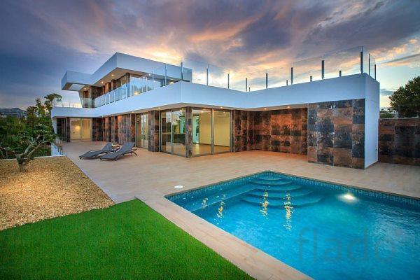 Недвижимость в испании москва дубай дом на пальме
