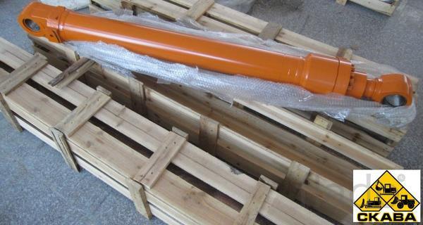 Гидроцилиндр стрелы 4669030 Hitachi ZX-200-3
