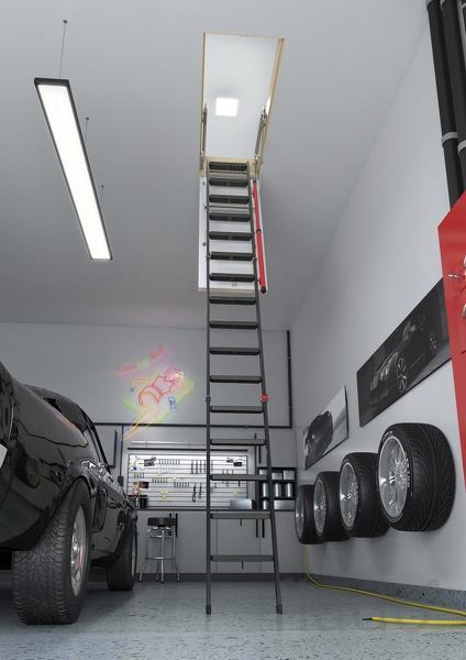 Металлическая лестница для помещений с высокими потолками