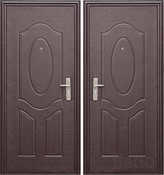 Крепкая входная дверь.