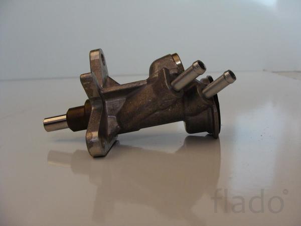Насос подкачки Deutz D2011 L 03 без ручной подкачки.