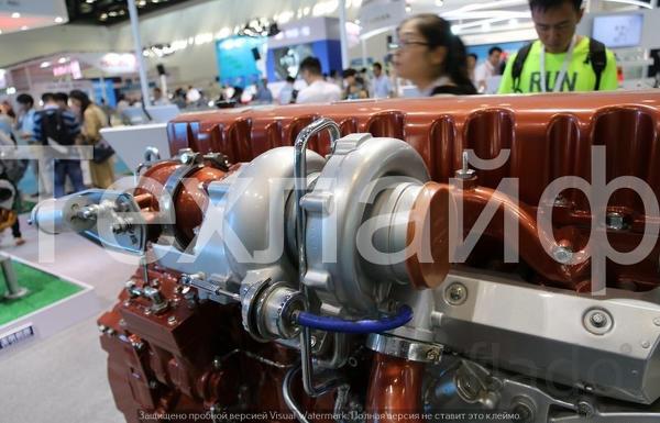 Двигатель Yuchai YC6K1356-50.