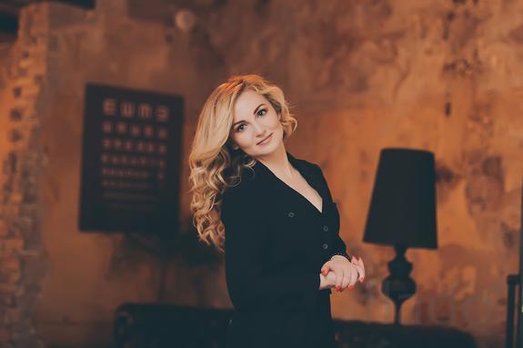 Работа для девушек москва хостес модельный бизнес каменск уральский