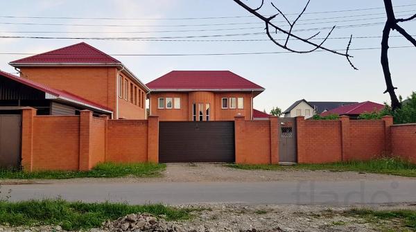 Дом 284 м² на участке 14 сот.