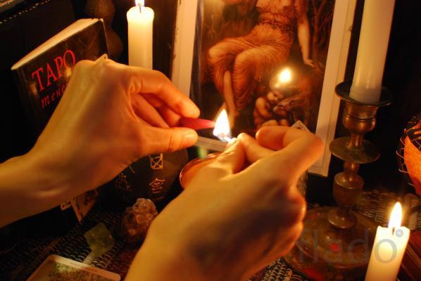 Практикую обряды старорусской магии.Опытный маг