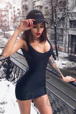 Красивой девушке требуется работа резюме для девушки на работу без опыта работы