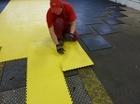 Модульная плитка ПВХ прочные полы для гаража или мастерской