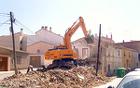 Снос (демонтаж) строений и домов , вывоз мусора.