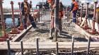 Рабочие и строители вахта на стройку