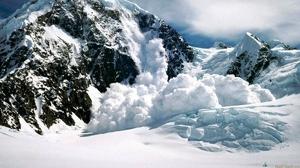 На горнолыжных курортах под Сочи объявили лавиноопасность